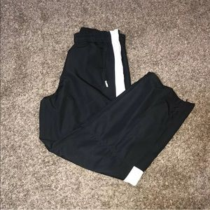 Nike Mesh Lined Windbreaker Track Pants w/ pockets